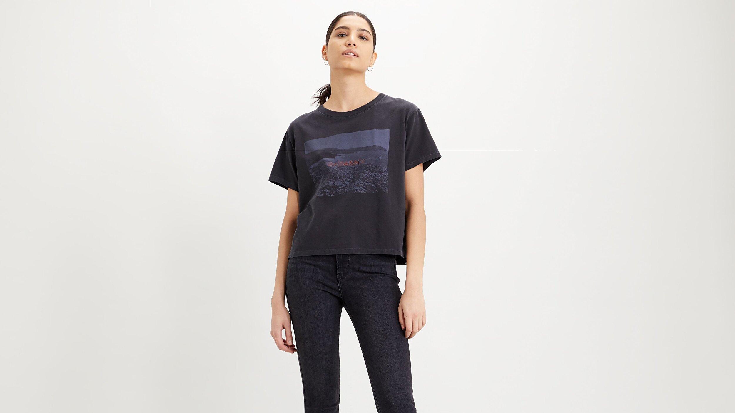 Graphic Varsity Tee Photo Tee Siyah Kadın Tişört